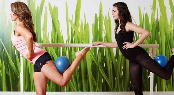 barre claire and ball